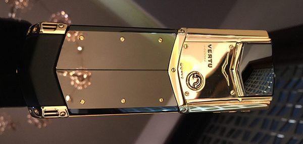 dien-thoai-vertu-signature-s-rose-gold-1