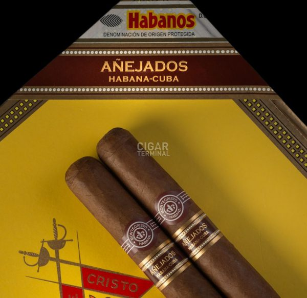 montecristo-churchill-anejados-box-25