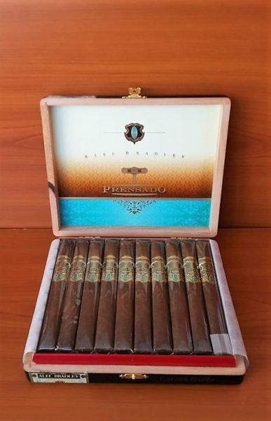 Cigar Alec Bradley Prensado Corona Gorda