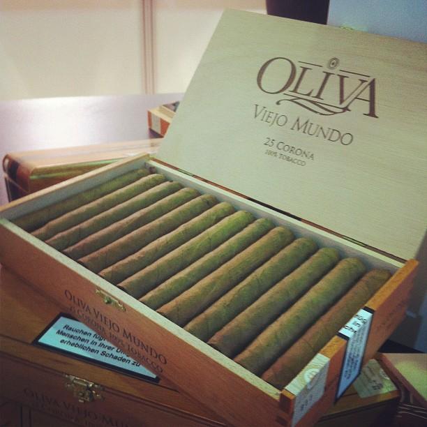 Xì gà Oliva Viejo Mundo corona